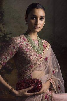 Sabyasachi Sarees, Bollywood Saree, Bollywood Fashion, Indian Sarees, Lehenga, Indian Blouse, Indian Wear, Dress Indian Style, Indian Dresses