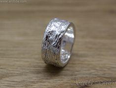 Tree bark textured fine silver ring - Jewelry design by Arctida