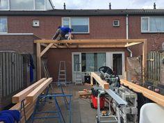 Overkapping met lichtkoepel - Overkapping Specialist Brabant Building A Pergola, Backyard Pergola, Deco, Gardens, Pergola Roof, Deko, Decorating, Dekoration, Ornament