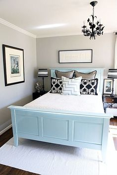 Small yet welcoming guest bedroom Decorative Bedroom