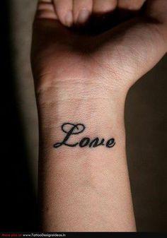 Тату надпись LOVE