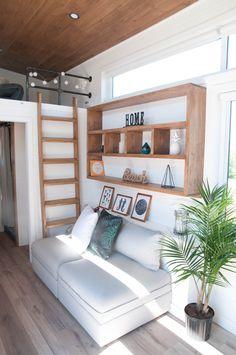 mooi, boekenkast om deur heen gebouwd | Home | Pinterest | Living ...