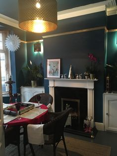 Perfect for a dining room. Flat Ideas, Interior Design Inspiration, Room Interior, Living Room Designs, Room Paint, Dining Room, Lounge, Room Decor, Dark Teal