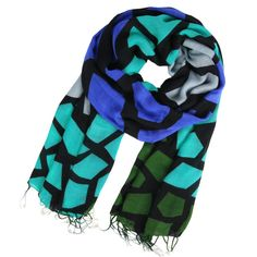 I love the color combo in this scarf