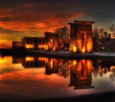 Templo de Debod, Madrid. Photo by Dani Parra.
