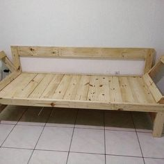 DIY pallet sofa and tables for the modern living rooms Pallet Furniture Corner Sofa, Diy Pallet Sofa, Wooden Pallet Furniture, Diy Sofa, Wooden Pallets, Handmade Furniture, Home Furniture, How To Make Corner Sofa, Wooden Pallet Crafts
