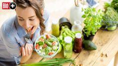 Jetzt lesen:  http://ift.tt/2E1HbVP  BILDplus Inhalt  Beauty-Booster Vitalstoffe - Welche Kalorien machen wirklich schön?