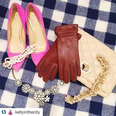 "Accessories are a girl's best friend...and our #urpowered #leather touchscreen gloves are key! Just ask @kellyinthecity.  #REPOST #NYC #Fashion #Cute #technology #touchscreen #Gloves #Sale #OOTD ""Even during the fall, I can't get by without a pair of gloves during chilly mornings and nights.  As I wear a ton of navy, brown leather gloves are a go-to for me... Especially this @urpowered pair, which features touchscreen technology..."""