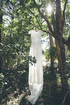 Photography: Florido Weddings - floridoweddings.com  Read More: http://www.stylemepretty.com/australia-weddings/2014/07/15/beautiful-new-south-wales-beach-wedding/