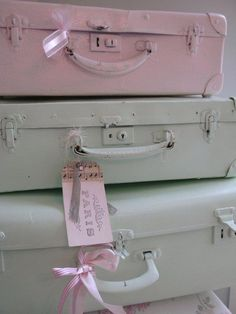Luscious pastel colours vintage suitcases painted in lovely pastels. Pastel Dress I need to do this! suitcases painted in lovely pastels. Pastel Dress I need to do this! Vintage Suitcases, Vintage Luggage, Vintage Trunks, Shabby Vintage, Vintage Paris, Dress Vintage, Vintage Pink, Vintage Style, Vintage Inspired
