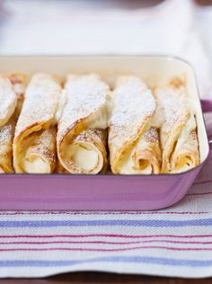 Pancakes with curd filling- Pfannkuchen mit Quarkfüllung Pancakes with quark filling – smarter – time: 45 min. Cupcakes Amor, Homemade French Toast, Crepes And Waffles, Easy Cupcake Recipes, Cake Mix Cookies, Sweet Recipes, French Recipes, Fudge, Crockpot Recipes