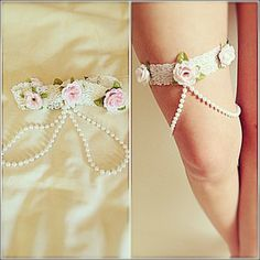made a little flower & pearl garter to go along with my EDC outfit! :)