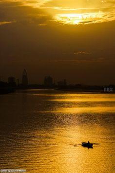 Golden moment, Khartoum لحظة ذهبية، الخرطوم (By Husam Abdulrahim) #sudan #khartoum #bluenile #nile #sunset