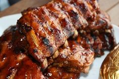 Check out these Southern Belle's Back Ribs, best paired with Rickard's Red. Carne, Rib Sauce, Pork Rib Recipes, Pub Food, Cooking Recipes, Healthy Recipes, French Pastries, Pork Dishes, Pork Ribs