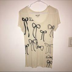 Sale priced✨Bow Tshirt * Kirra Tops
