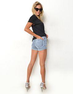 HIGH WAIST FITTED DENIM SHORTS - HIGH WAIST FITTED DENIM SHORTS - Denim Shorts