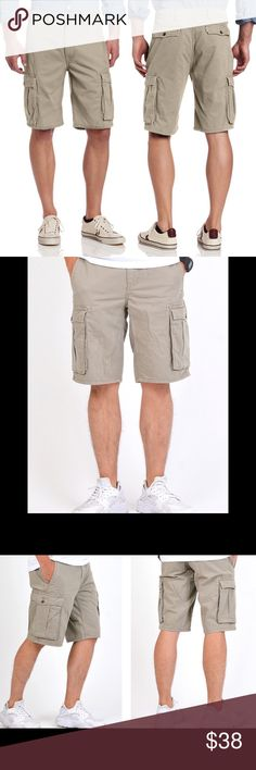 ✨Brand New✨Levi's Cargo Shorts Never Worn❗️Levi's Timberwolf Cargo Shorts. Need more photos 📸or more info? Feel free to ask. I'll do my best. 🍭 Levi's Shorts Cargo