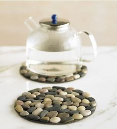 Diy: stone trivet - cork board as base, glued rocks... Easy peasy