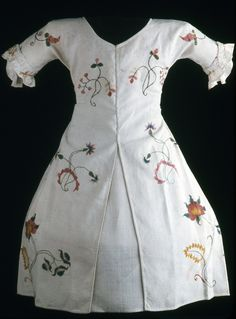 Child's dress, Connecticut, 1730-1780.