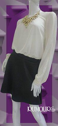 Blusa tipo bodysuit, manga larga con aberturas.  Escote en la espalda con cascada.  Único color disponible blanco hueso.