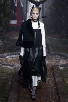 5f5066088b9 Thom Browne Fall 2016 Ready-to-Wear Collection Photos - Vogue Thom Browne