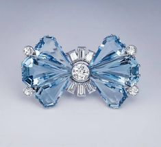 Vintage Art Deco Aquamarine Diamond Platinum Brooch Bow Jewelry, Art Deco Jewelry, Fine Jewelry, Fashion Jewelry, Jewelry Design, Silver Jewellery, Jewlery, Glass Jewelry, Aquamarine Jewelry
