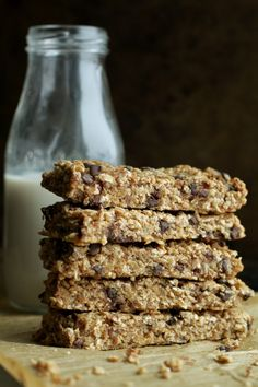 So much better than store-bought! These soft and chewy banana bread granola bars are made without any refined sugars or oils, and LOADED flavour! Healthy Sweets, Healthy Baking, Healthy Snacks, Healthy Cereal, Low Carb Recipes, Baking Recipes, Snack Recipes, Biscuits, Overripe Bananas