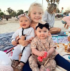 Expecting A Baby? Cute Family, Family Goals, Cute Kids, Cute Babies, Cole And Savannah, Savannah Chat, Sav And Cole, Taytum And Oakley, Everleigh Rose