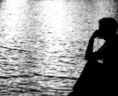 Saudade é esse desejo de querer ser você, é essa urgência de fome incontida, que marca uma vida Saudade é isso, olhar pra dentro de mim e não mais te sentir.