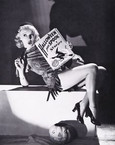 Betty Grable as a Halloween pin up