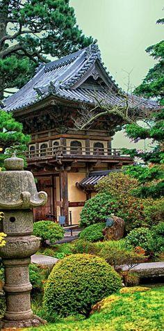 The Japanese Tea Garden at Golden Gate Park in San Francisco • photo: Brenda Addington on The Graceful Gardener