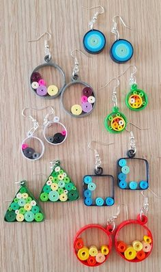 12 Awesome Paper Quilling Jewelry Designs To Start Today Paper Quilling Earrings, Paper Quilling Cards, Paper Quilling Patterns, Quilled Paper Art, Quilling Paper Craft, Quilling Flowers, Paper Crafts, Quilling Studs, Quiling Earings