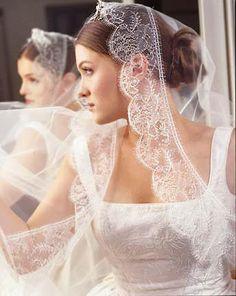 Veil Keywords: #weddings #jevelweddingplanning Follow Us: www.jevelweddingplanning.com  www.facebook.com/jevelweddingplanning/