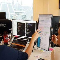 15 Nerd Room Concepts For a Diehard Pc Programmer – Desk Setup Setup Desk, Computer Desk Setup, Gaming Room Setup, Home Office Setup, Pc Setup, Home Office Design, Computer Gadgets, Computer Laptop, Office Workspace