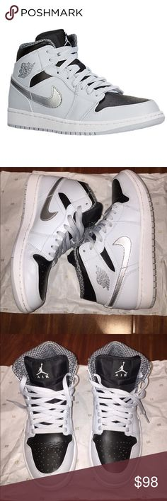 5fc0c64d6e05 Air jordan 1 mids WITH BOX Great condition WITH BOX air Jordan 1 mids  unisex shoe. Size 8.5 men s. Amazing condition 100% authentic. Worn 2 times.