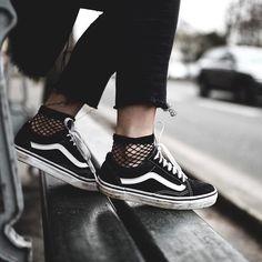 Trendy Sneakers  2017/ 2018 : Sneakers women  Vans Old Skool (dressingleeloo)
