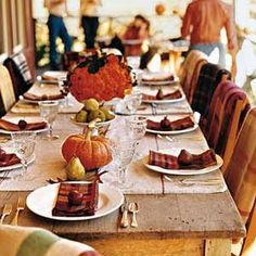 How to Dress Your Thanksgiving Table for Less