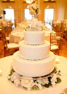 Three Tier Wedding Cake | photography by http://www.olivialeighweddings.com