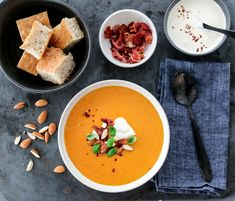 SPICY GULROTSUPPE MED BACON | TRINES MATBLOGG