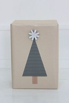 Maudjesstyling: Simple Christmas Tree Wrapping