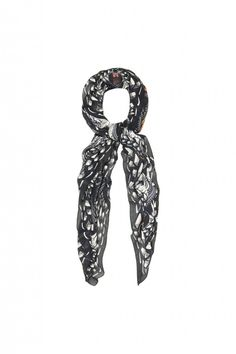 10 Best Scarves This Fall