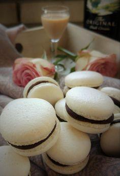 Ha el akarod kápráztatni a vendégeidet, készíts baileys-es macaront! Hungarian Desserts, Meringue Pavlova, Apple Cake, Recipes From Heaven, Baileys, Muffin, Paleo, Food And Drink, Sweets