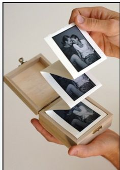 Album in a box. DIY a simple, but beautiful handmade photo album in a wooden box. A great crafty how to for gifts. Diy And Crafts, Arts And Crafts, Paper Crafts, Wooden Crafts, Easy Crafts, Mini Albums, Picture Boxes, Picture Gifts, Photo Gifts