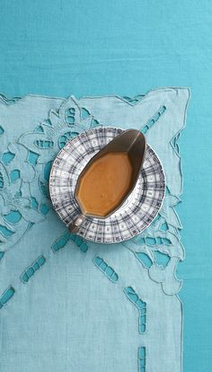 Make-Ahead Gravy Will Save You Time in the Kitchen on Thanksgivingthepioneerwoman Thanksgiving Side Dishes, Thanksgiving Recipes, Fall Recipes, Holiday Recipes, Paleo Gravy, Make Ahead Gravy, Thanksgiving Blessings, Turkey Gravy, Pioneer Woman Recipes