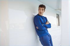 Alexandre Cunha radiates with a positive energy as he stars in a new editorial. The Brazilian model takes to the open sea with Forbes España. Showcasing nautical style, Alexandre appears in a story titled O Captain! The smart occasion features fashion brands like Mango and Canali.
