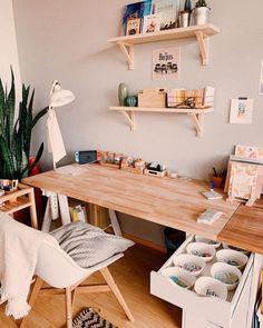 Cool 36 Enchanting Ikea Workspace Design Ideas In Garage To Try Asap Ikea Workspace, Artist Workspace, Workspace Design, Home Office Design, Home Office Decor, Bedroom Workspace, Home Art Studios, Art Studio At Home, Art Studio Design