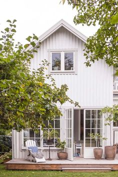 Stunning Farmhouse Cottage Design Ideas And Decor You Are Looking For Farmhouse Cottage, Cottage Design, Home, Summer House, House, Stunning Interiors, Swedish House, Farmhouse Exterior, Exterior