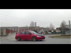 Mitsubishi Lancer EVO IX Roundabout Drifting