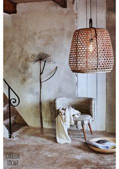 Styling: Cleo Scheulderman Photo: Jeroen van der Spek Gevlochten Hanenmand Lamp