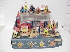 Vintage-SLEEPY-CHRISTMAS-VILLAGE-Putz-12-Houses-w-Windows-Japan-Original-Box